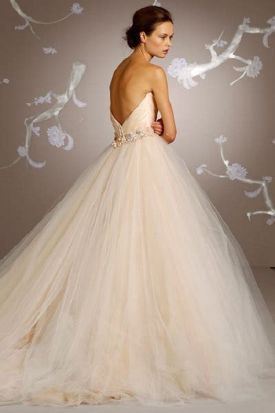 15 Wedding Dress Details You Will Fall In Love With. Princess Wedding Dresses Nottingham. Cheap Sweetheart Wedding Dresses Uk. Empire Waist Wedding Gowns Plus Size. Puffy Dresses For Wedding