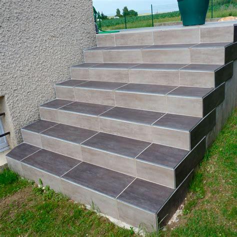 marche escalier exterieur carrelage