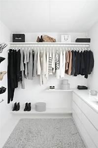 Offener Schrank Vorhang : die 25 besten ideen zu offener kleiderschrank auf pinterest offener schrank kleiderschrank ~ Markanthonyermac.com Haus und Dekorationen