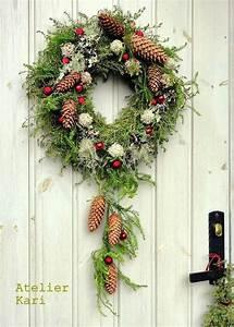 Weihnachtskranz Für Tür : begr t den advent mit einem kranz an der t r weihnachtskranz basteln weihnachten ~ Markanthonyermac.com Haus und Dekorationen