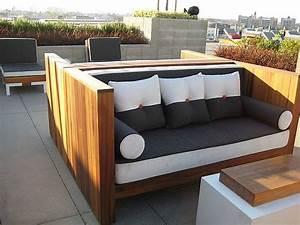 Outdoor Sofa Holz : couch holz affordable w schillig edle von aus der black label serie modell alessiio sofa couch ~ Markanthonyermac.com Haus und Dekorationen