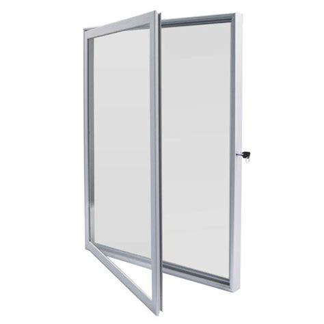 vitrine d affichage interieur porte battante pour affichage publicitaire wissmar 500x700