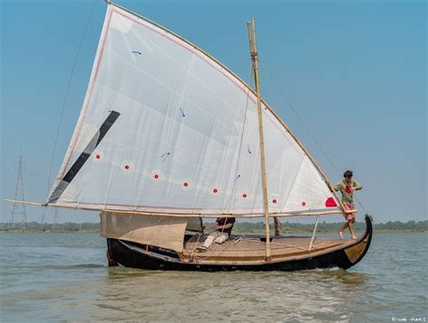 Small Boat In Hindi by Interesting Sailboats Corentin The Chicken And His