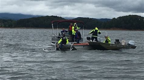 Boating Accident Kentucky Lake by Four Die In Holiday Boating Accidents
