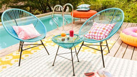 le mobilier de jardin en scoubidou joli place