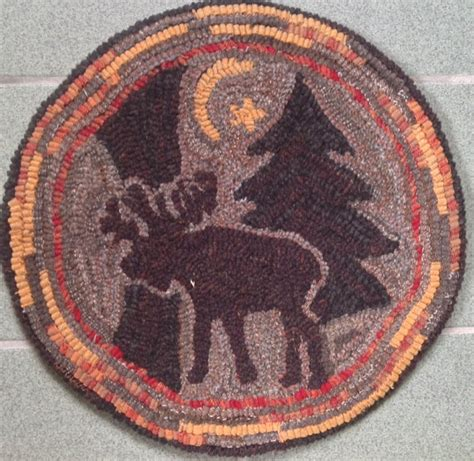 rug hooking pattern for quot moonlight moose quot chair pad on monks cloth or primitive linen p1112
