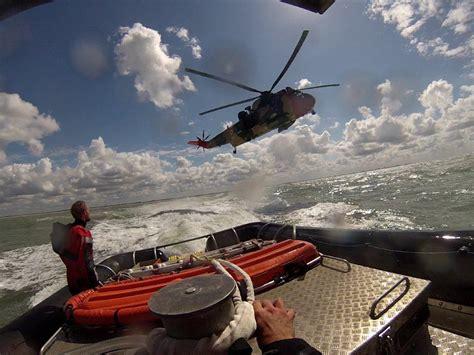 Zeilboot Oostende by Mayday Zeilboot Zinkend Tussen Oostende En Blankenberge