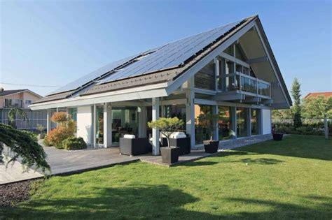 Holz Glas Haus  Modernes Haus Mit Viel Glas Für Moderne