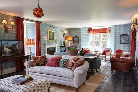 An English Country Getaway For London Gentry
