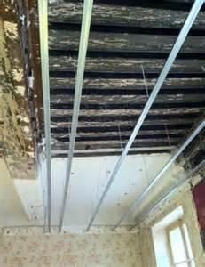 pose de plaque de pl 226 tre placo au plafond les 233 r 233 ussir sa r 233 novation