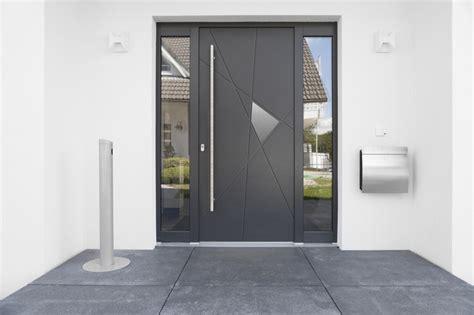 portes d entr 233 e en aluminium en bois ou en composite moderne entr 233 e other metro par euradif
