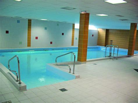 un bassin de kin 233 baln 233 oth 233 rapie activit 233 piscine