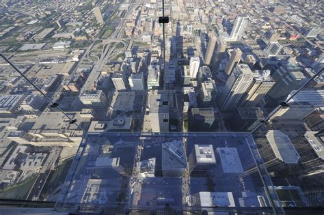 skydeck chicago facts about the ledge