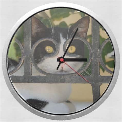 horloge murale chat avec montures de lunettes voit par la cl 244 ture en fer forg 233 white