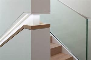 Handlauf In Wand : integrierte beleuchtung im handlauf ~ Markanthonyermac.com Haus und Dekorationen