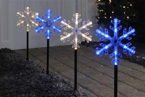 light up the holidays seasonal home lighting tips from ge lighting ge lighting america news