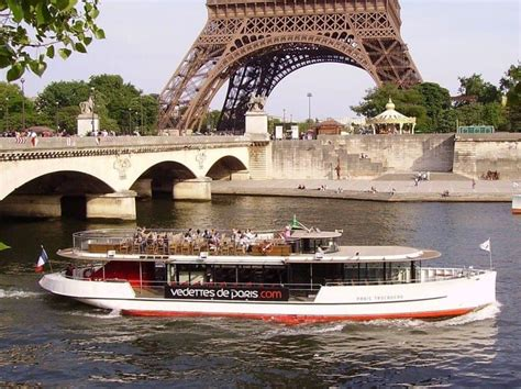 Boat Tour Paris Seine by Cruising The Seine River In Paris How To Choose The Best