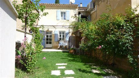 ventes maison de t3 f3 lioux environnement calme vue sur le luberon jardin maison et