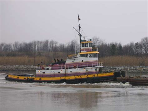 Tugboat Gross Tonnage by Tugboat Information