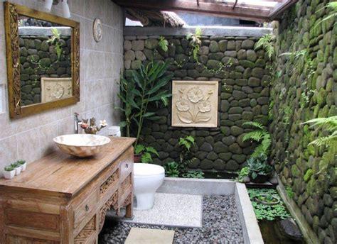 Eye-catching Tropical Bathroom Décor Ideas That Will