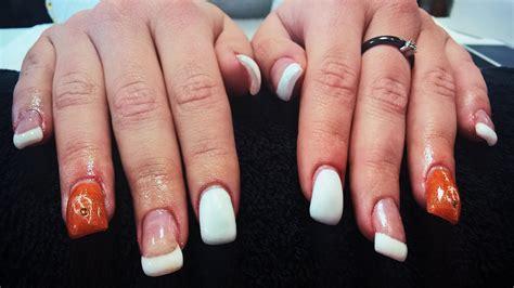 remplissage l acrylic gel poudre de renforcement sur ongle naturel avec un reste de capsule
