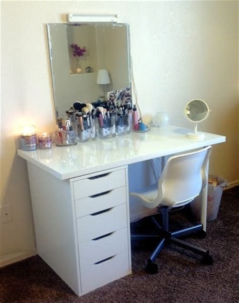 great ikea combo vanity desk via kaykre i that same chair and a similar ikea desk i could