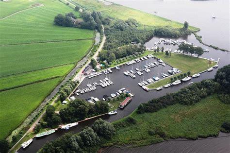 Woonboot Jirnsum Te Koop by Plattegrond Jachthaven Aan Het Sneekermeer In Friesland