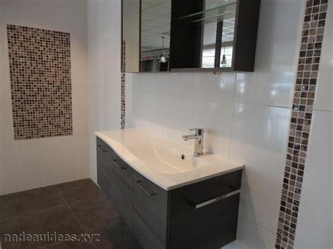 deco salle de bain carrelage noir et blanc peinture faience salle de bain