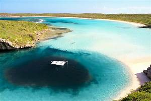This massive underwater hole in the Bahamas is believed to ...