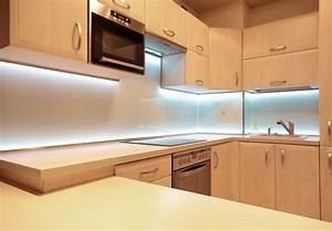 Unterschrank Beleuchtung Küche : led beleuchtung k che berlin bluleu led solutions ~ Markanthonyermac.com Haus und Dekorationen