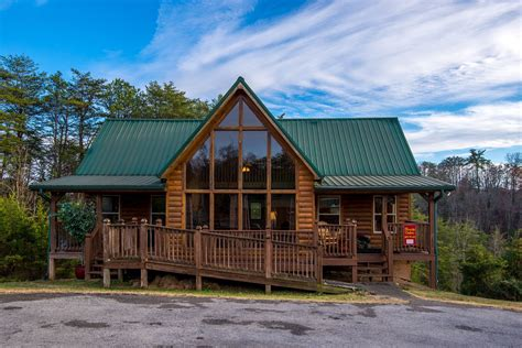 four bedroom pigeon forge smoky mountain tennessee vacation cabin rentals