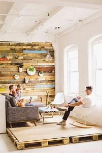 Zimmer Schalldicht Machen : holzwand im innenraum ein evergreen der sowohl rustikal als auch luxuri s erscheint ~ Markanthonyermac.com Haus und Dekorationen