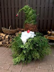 Für Den Garten Basteln : weihnachtswichtel aus wacholder zweigen basteln f r weihnachten weihnachtsdeko f r den ~ Markanthonyermac.com Haus und Dekorationen