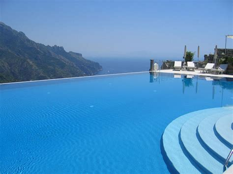Infinity Pool : Hotels With Infinity Pools Offers Stunning Views