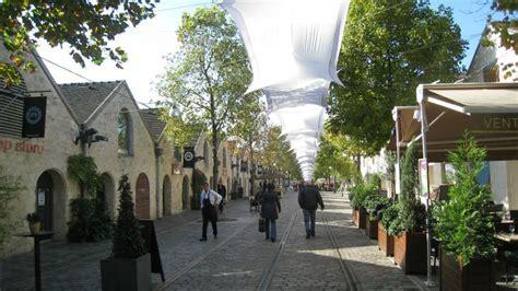 le cour emilion et le de bercy la nouvelle ville dans la ville en images
