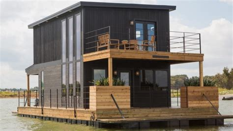 Fixer Upper Black Houseboat by Boxers Or Briefs Chip Gaines Shows The Answer On Fixer