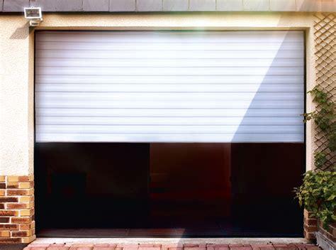 porte de garage enroulable motorisee gris anthracite lames 77 x 19 mm ral7016 vial
