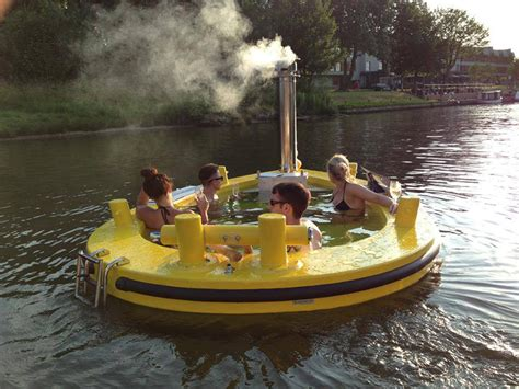 Hot Tub Boat by If It S Hip It S Here The Hottug A Motorized Floating