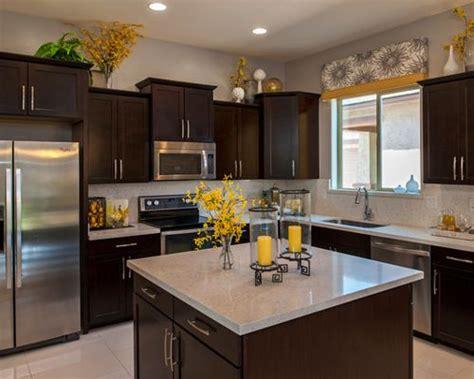 Kitchen Decor Design Ideas & Remodel Pictures  Houzz
