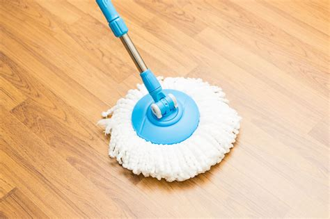 11 tips for cleaning vinyl floors reader s digest