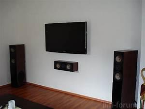 Fernseher Aufhängen Höhe : die tv wand heimkino surround wand hifi bildergalerie ~ Markanthonyermac.com Haus und Dekorationen
