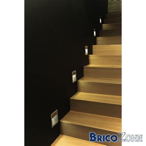 eclairage rvb spot led encast 233 pour escalier
