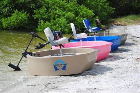 Round About Boat by Roundabout Watercraft