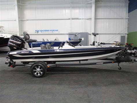 Stratos Boats Facebook by 2013 Used Stratos 176 Vlo Bass Boat For Sale 17 999