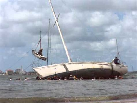 Sailboats Videos by Sailboat Pushed Free Youtube