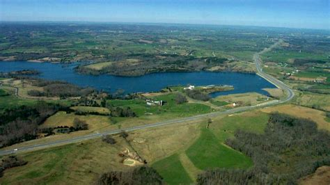 Public Boat Rs At Cedar Creek Lake by Home For Sale In Danville Kentucky Solid Home To Use Or