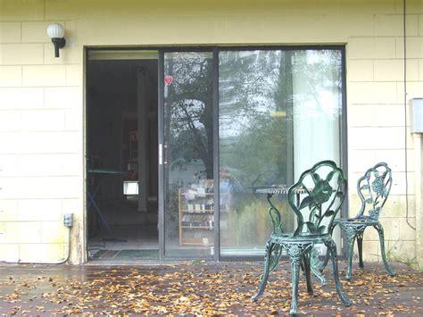 Sliding Glass Door-wikipedia