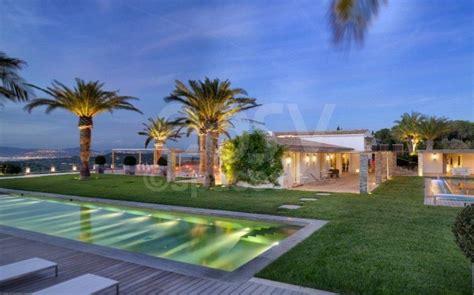 location de villa prestige avec piscine vue mer photos tournages tropez lieux lieu 224