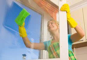 Streifenfrei Fenster Putzen : fensterreinigung fenster streifenfrei putzen artikelmagazin ~ Markanthonyermac.com Haus und Dekorationen