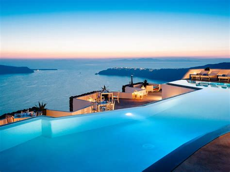 Infinity Pool : 9 Breathtaking Infinity Pools